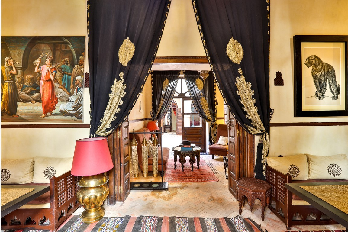 Riad guest house , 2 patios, pool , 10 bedrooms, 10 bathrooms , fireplace lounge, dining room , steam room, massage rooms , terrace picture 2