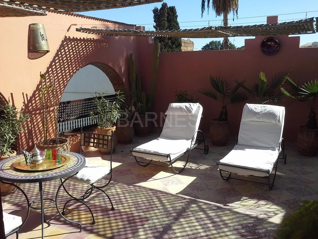 Riad maison d'hôtes, 11 chambres, 11 salles de bains, 2 patios, salons, salle à manger,  picture 9