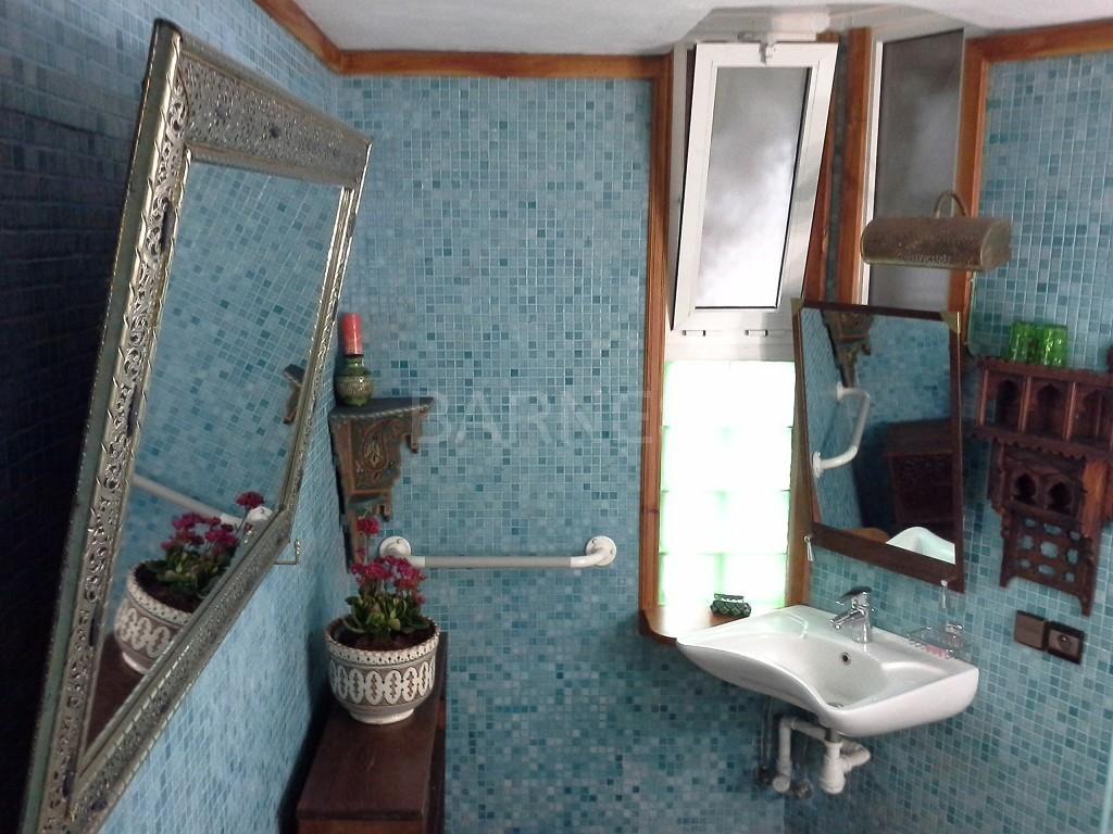 Riad maison d'hôtes, 11 chambres, 11 salles de bains, 2 patios, salons, salle à manger,  picture 13