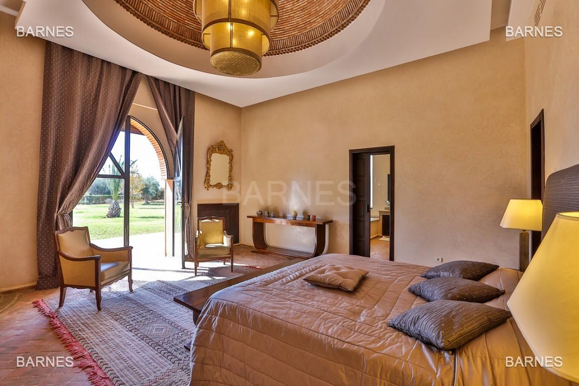 Très belle propriété d'inspiration marocaine, construite de plain pied sur 600m2  picture 13