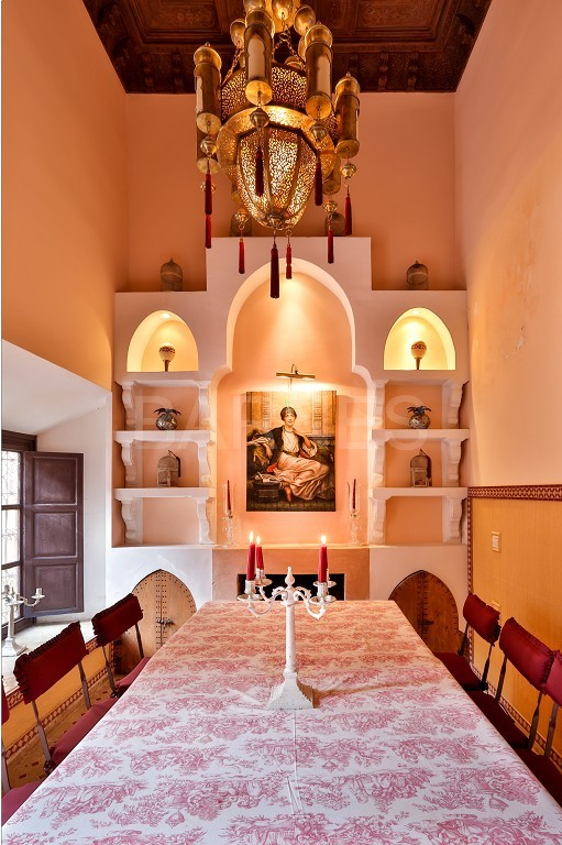 Riad , Patio pool , 6 bedrooms, 6 bathrooms , fireplace lounge, dining room , loft , terrace picture 10
