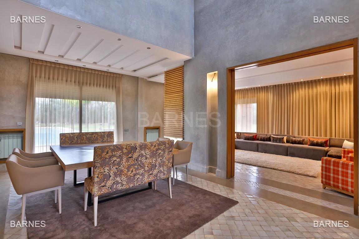 Villa contemporaine au coeur du circuit de la palmeraie Marrakech bâtie sur un terrain de 4000 m² et offrant une superficie habitable de 430 m². picture 5