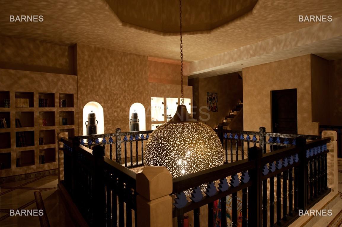 Impressionnante demeure marocaine construite dans la zone d'Amelkis sur un grand terrain de 1200m2 picture 13