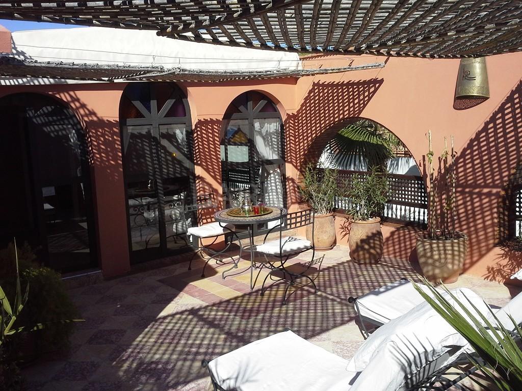 Riad maison d'hôtes, 11 chambres, 11 salles de bains, 2 patios, salons, salle à manger,  picture 8