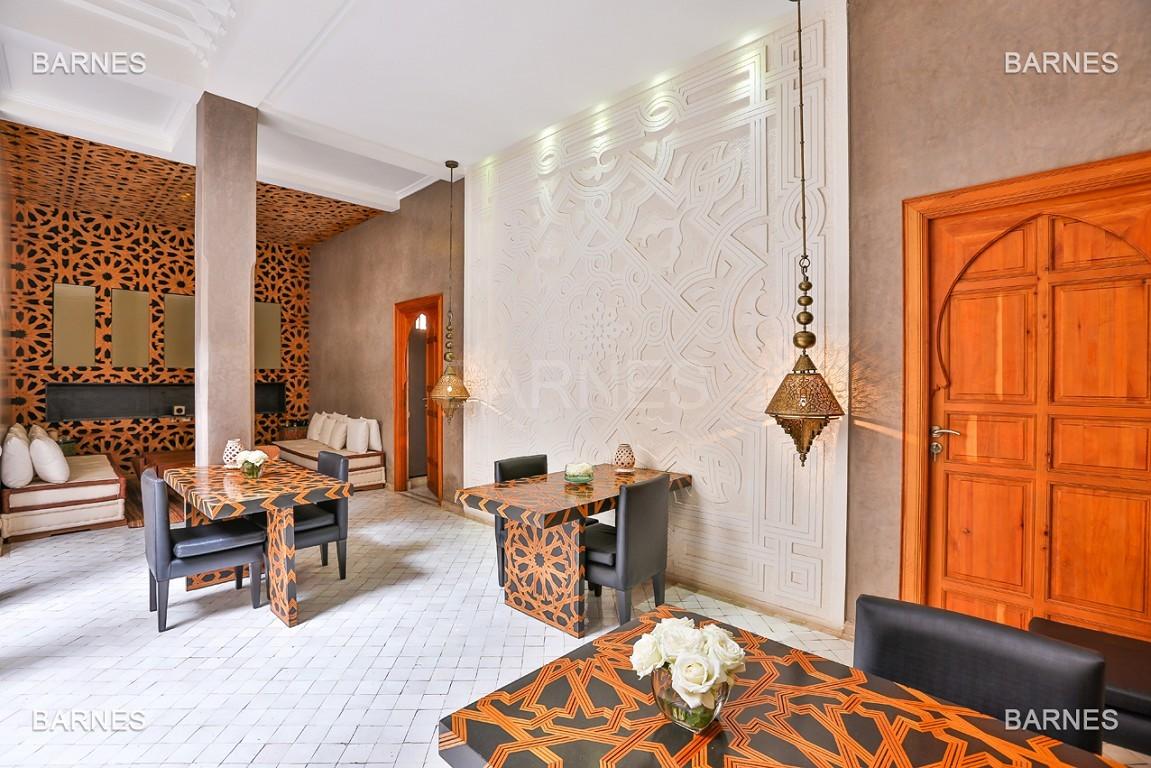 Maison d'hôtes, 8 chambres, 8 salles de bains, bassin, terrasse, jacuzzi. picture 4