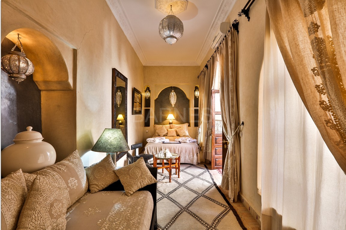 Riad guest house , 2 patios, pool , 10 bedrooms, 10 bathrooms , fireplace lounge, dining room , steam room, massage rooms , terrace picture 8