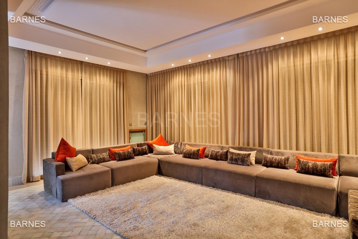 Villa contemporaine au coeur du circuit de la palmeraie Marrakech bâtie sur un terrain de 4000 m² et offrant une superficie habitable de 430 m². picture 13