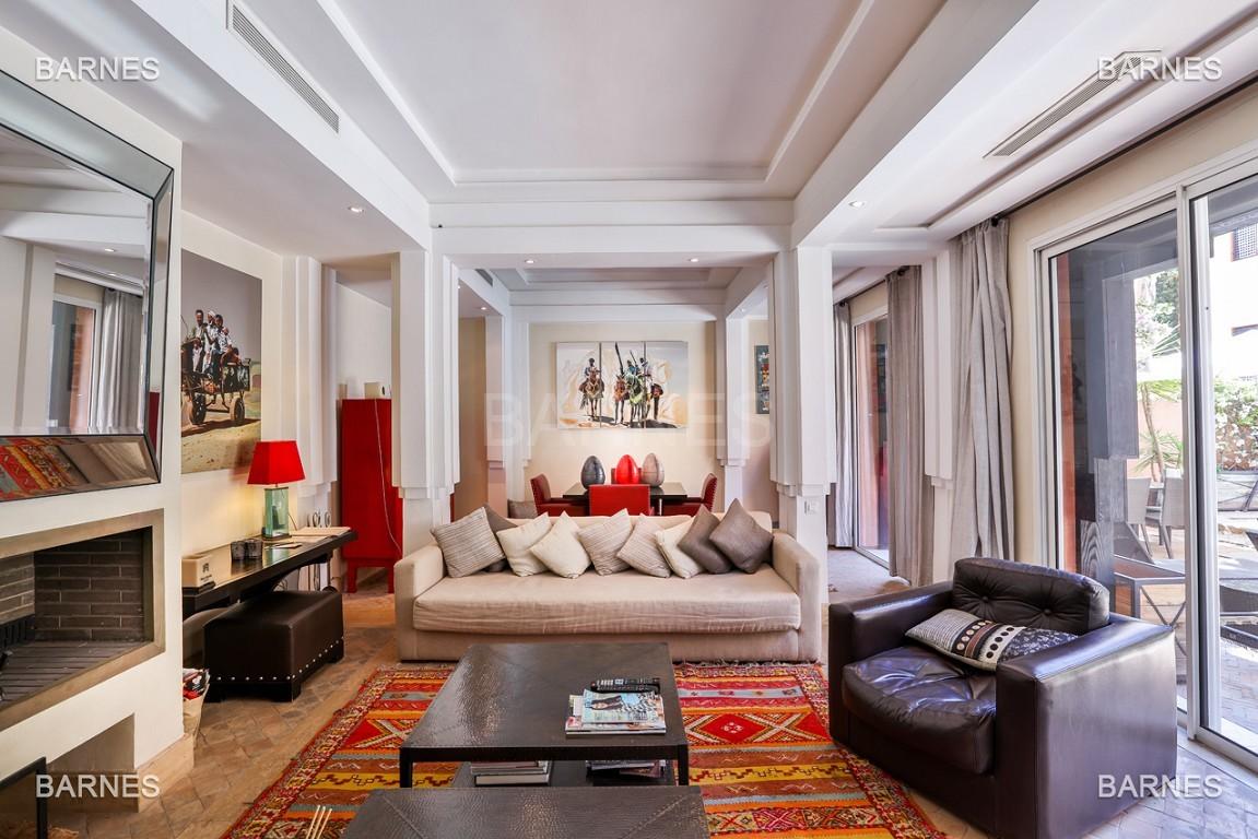 Située entre Medina et Ville nouvelle , superbe villa type Ryad dans un Hotel 5 étoiles .   picture 11