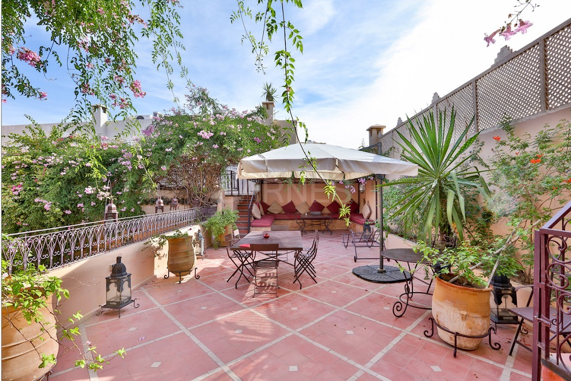 Riad , Patio pool , 6 bedrooms, 6 bathrooms , fireplace lounge, dining room , loft , terrace picture 12