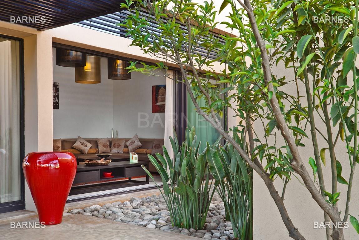 Villa contemporaine sur Golf de 400 m² habitables sur un terrain de 2500 m² picture 2