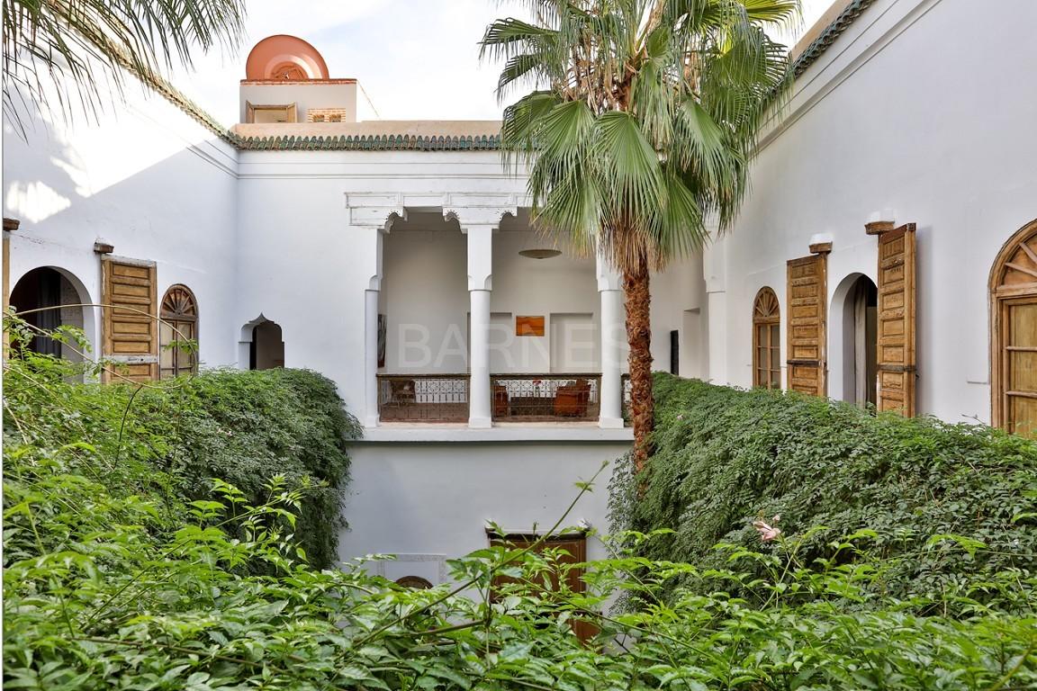 Riad maison d'hôtes, salon, salle à manger, 3 chambres, 3 suites, 6 salles de bains, piscine, terrasse picture 15