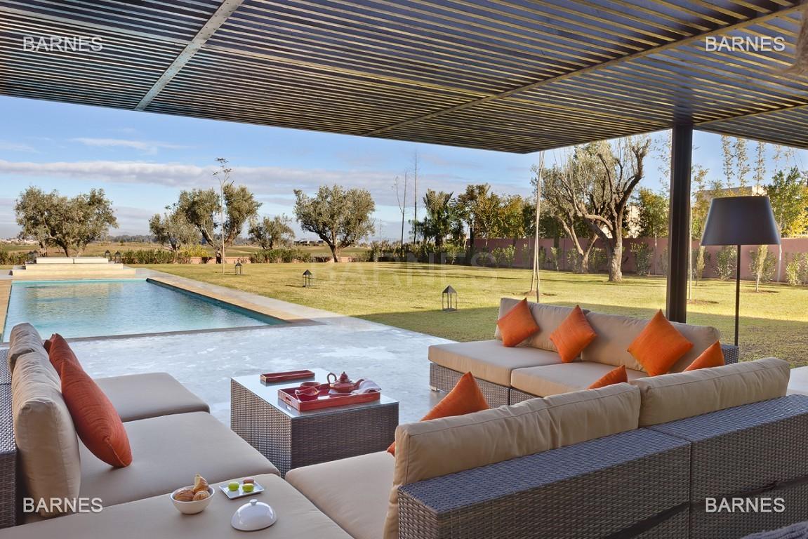 Villa contemporaine sur Golf de 400 m² habitables sur un terrain de 2500 m² picture 3