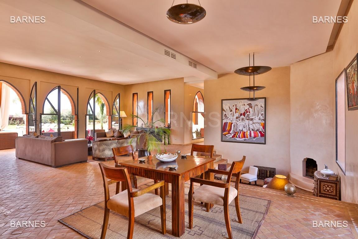 Très belle propriété d'inspiration marocaine, construite de plain pied sur 600m2  picture 5