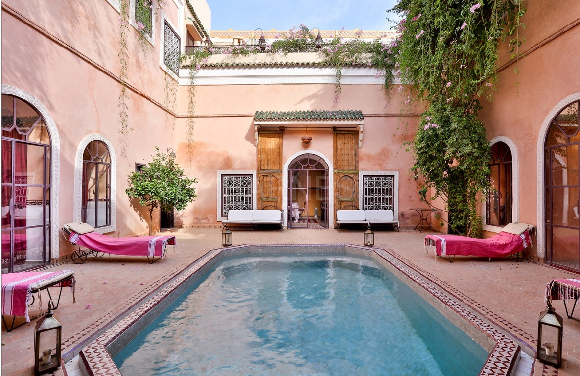 Riad , Patio pool , 6 bedrooms, 6 bathrooms , fireplace lounge, dining room , loft , terrace picture 9