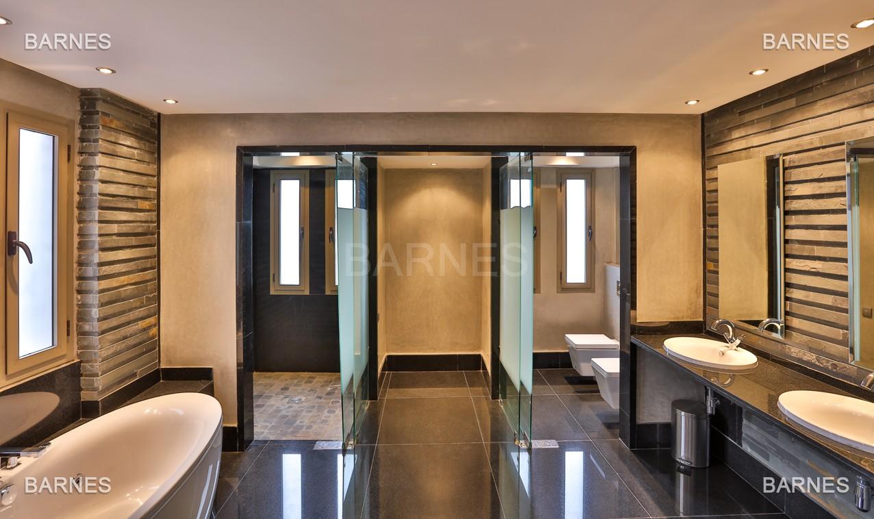 Villa contemporaine au coeur du circuit de la palmeraie Marrakech bâtie sur un terrain de 4000 m² et offrant une superficie habitable de 430 m². picture 12
