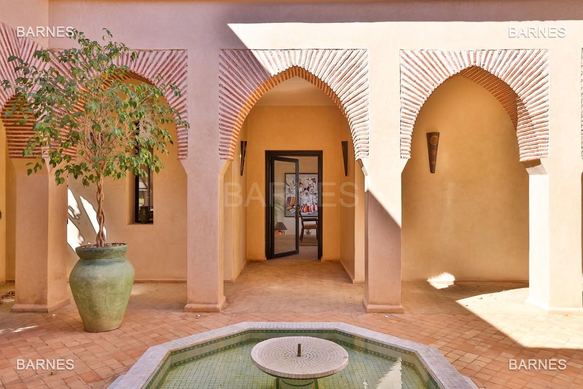 Très belle propriété d'inspiration marocaine, construite de plain pied sur 600m2  picture 19