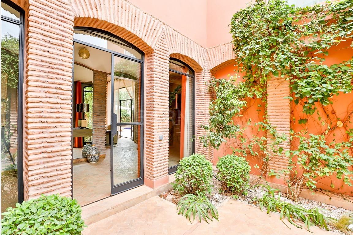 Vente villa Marrakech  Très belle villa sur Golf d'Amelkis, 5ch, toute récemment refaite et décorée avec du mobilier de très grande qualité.  picture 18