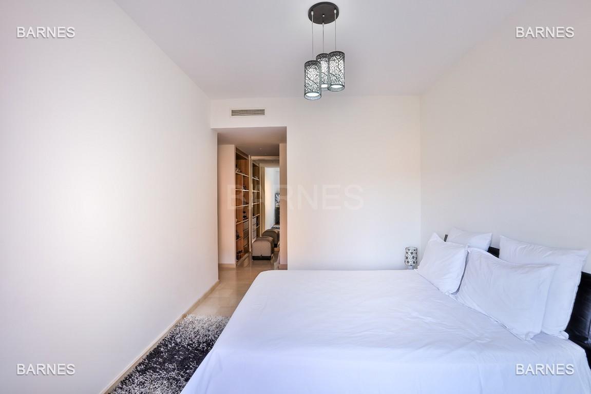 Très bel appartement de très haut standing proche du lycée Victor Hugo de128 m² dont 2 terrasses de 17 m² et 10 m². picture 8