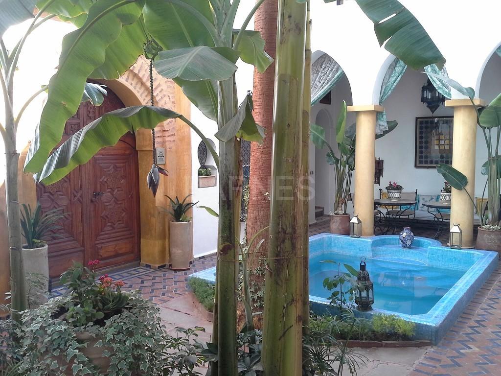 Riad maison d'hôtes, 11 chambres, 11 salles de bains, 2 patios, salons, salle à manger,  picture 0