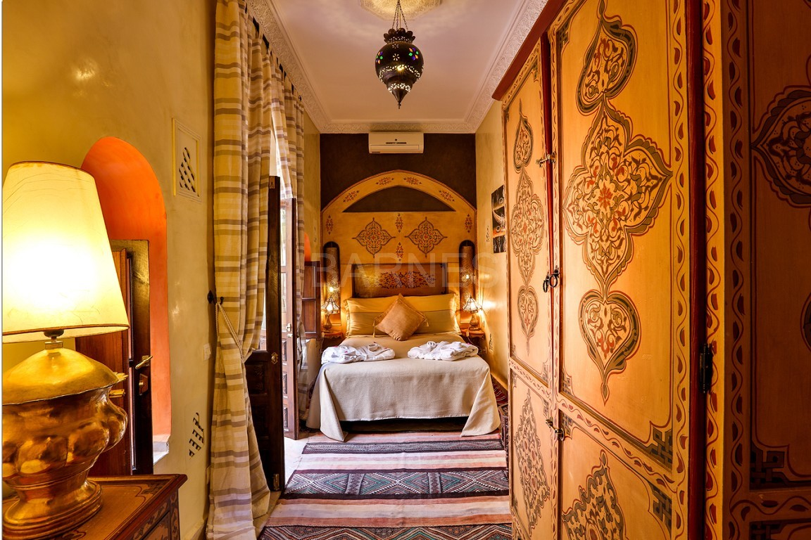 Riad guest house , 2 patios, pool , 10 bedrooms, 10 bathrooms , fireplace lounge, dining room , steam room, massage rooms , terrace picture 4