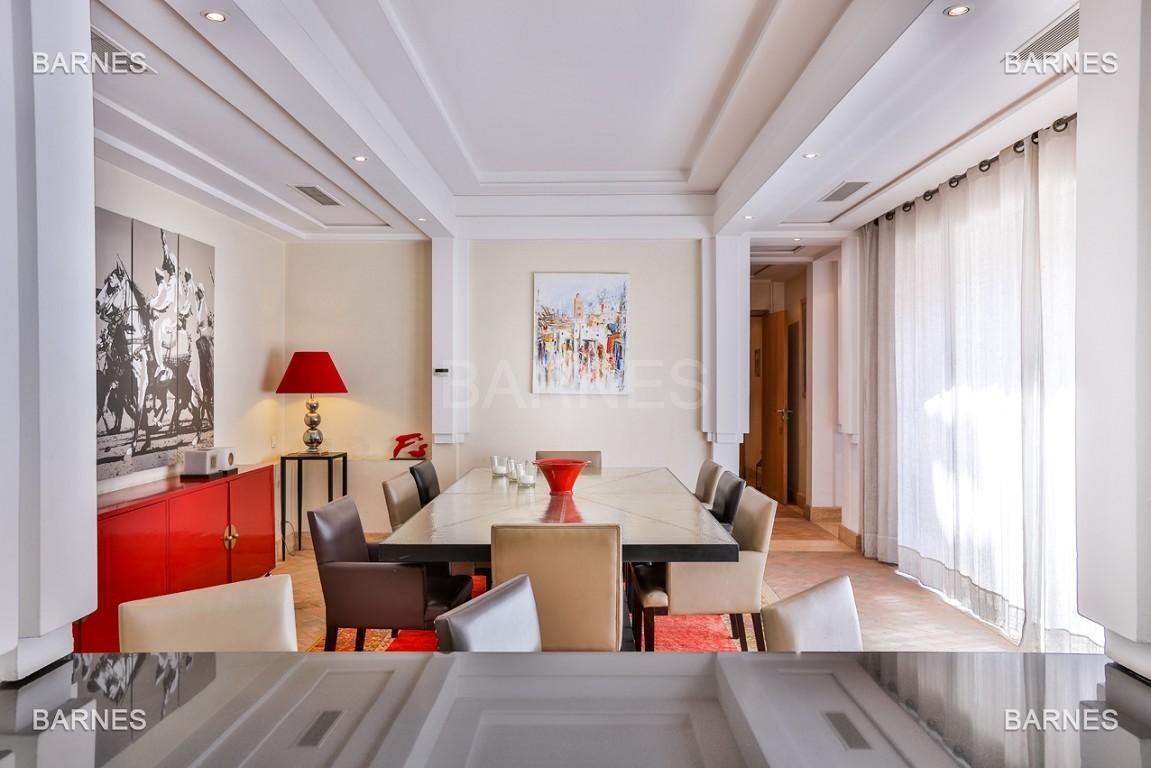 Située entre Medina et Ville nouvelle , superbe villa type Ryad dans un Hotel 5 étoiles .   picture 9