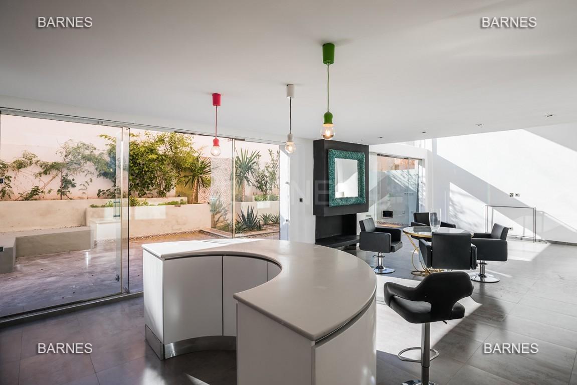 Magnifique duplex de 242 m² situé au coeur de l'hivernage dans une prestigieuse résidence avec piscine picture 0