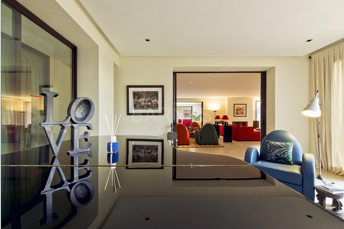 Nichée en première ligne du golf Al Maaden, cette tres belle propriété de luxe contemporaine abrite six chambres et suites au confort d'exception picture 13
