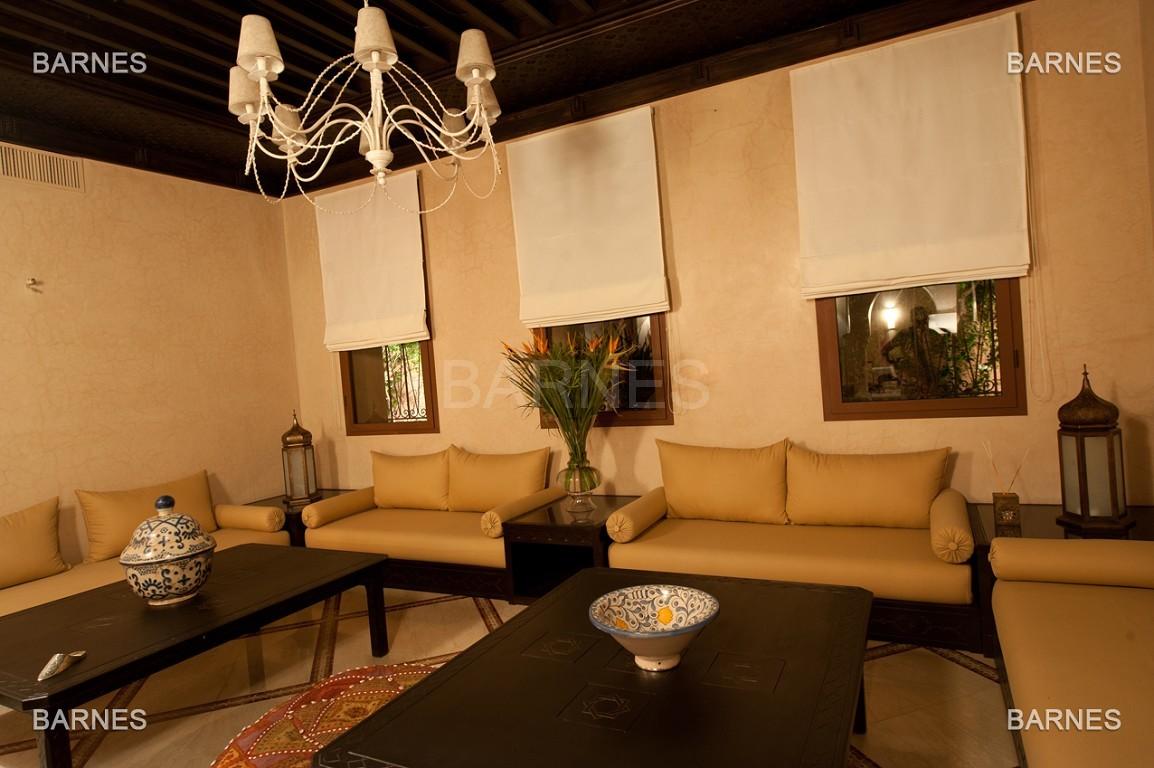 Impressionnante demeure marocaine construite dans la zone d'Amelkis sur un grand terrain de 1200m2 picture 12