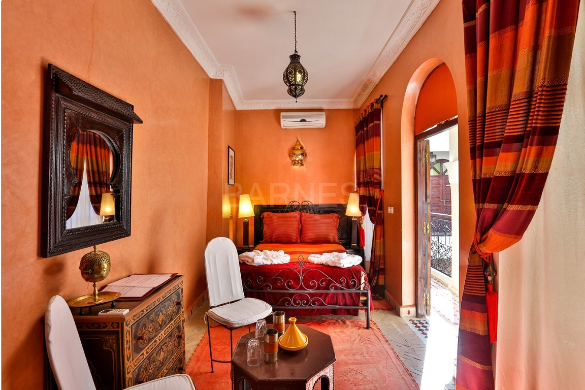 Riad guest house , 2 patios, pool , 10 bedrooms, 10 bathrooms , fireplace lounge, dining room , steam room, massage rooms , terrace picture 15