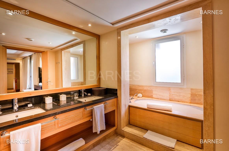 Située entre Medina et Ville nouvelle , superbe villa type Ryad dans un Hotel 5 étoiles .   picture 4